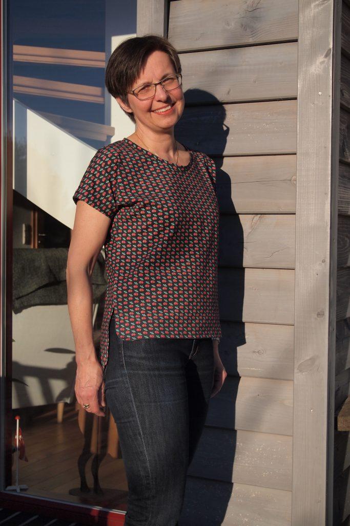 Kirschenshirt mit Hose