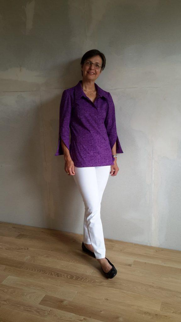 Hemdbluse & weiße Hose